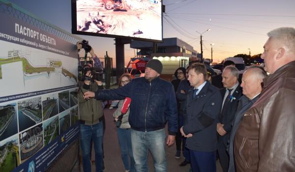 Губернатор посетил Набережную